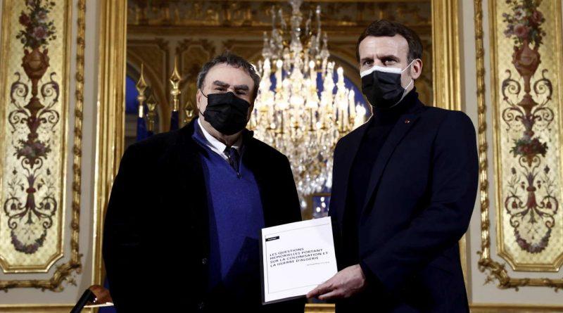 Emmanuel Macron décide de faciliter la déclassification des archives de la guerre d'Algérie